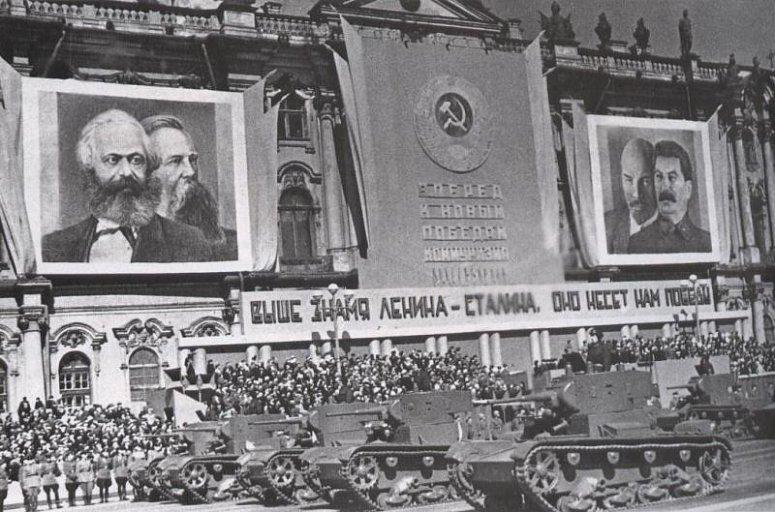 desfile carros urss-1938