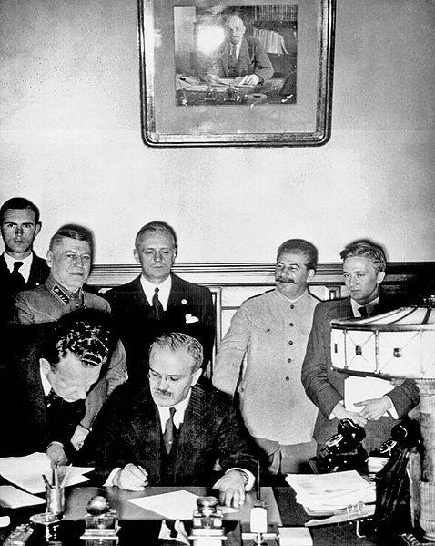 molotov firma pacto